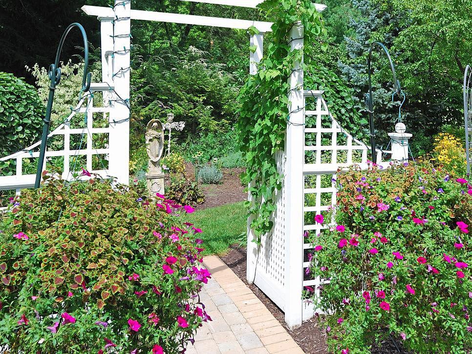 Садовые конструкции